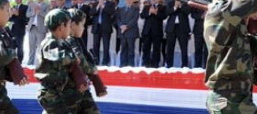 Paraguai: organizações deploram desfile de crianças fardadas