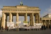 manifestacao de apoio na alemanha a comunidade Guarani-Kaiowá  , foto isaumir nascimento 004