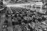 O fim do modelo fordista de produção deu início a uma desestruturação progressiva e irreversível dos modos de organização do trabalho e de modelos de classes.