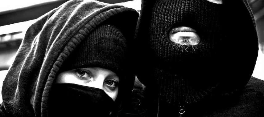 """Black Bloc: """"Fazemos o que os outros não têm coragem de fazer"""""""