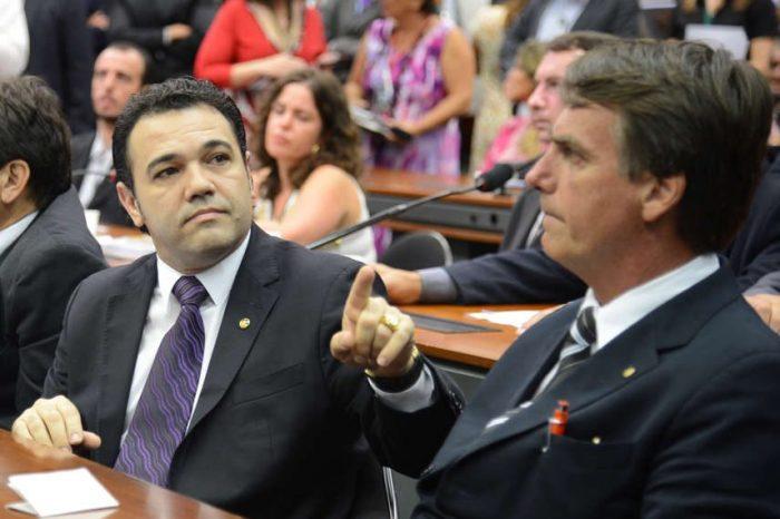 """Após protocolar pedido de impeachment, Feliciano volta a atacar Mourão: """"Judas, traidor e sem caráter"""""""