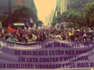 Marcha atraiu 1,5 mil pessoas segundo a organização. Porém, para a PM, era 500 manifestantes (Foto: Igor Carvalho)