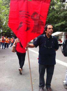 Deputado estadual Adriano Diogo (PT) durante o escracho da Fiesp (Foto: Igor Carvalho)