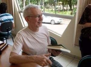 O escrito e fundador do Somos e do Lampião de Esquina, João Silvério Trevisan (Foto: Biblioteca Carlos Drummond)