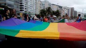 Ativista marcharam contra a homofobia em Copacabana.