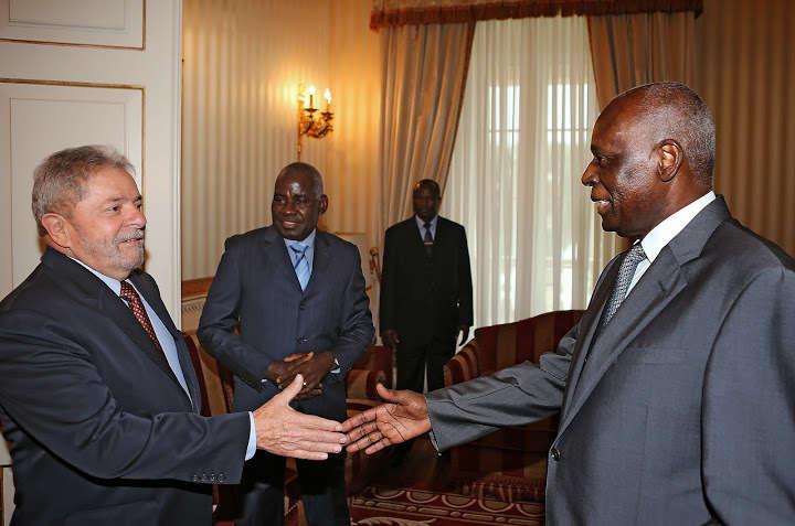 José Eduardo Santos, presidente de Angola, recebe Lula (Foto: Ricardo Stuckert/Instituto Lula)