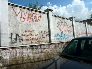 Por todos os lugares do Haiti é possível observar o descontentamento da população haitiana com a operação da ONU no país (Ansel Herz/WikiLeaks)