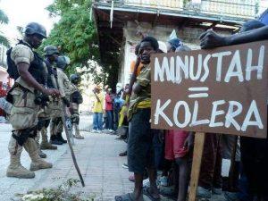 O surto de cólera que atingiu o país foi comprovadamente, causado por tropas do Nepal, que compunham os capacetes-azuis da ONU: os soldados jogavam fora suas fezes em um rio próximo à base militar deles (Reprodução)