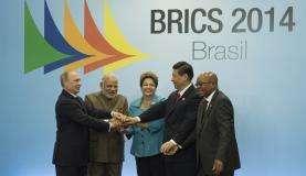 Vladimir Putin, Narendra Modi, Dilma Rousseff, Xi Jinping e Jacob Zuma, em foto oficial na 6ª Cúpula dos Brics (Marcelo Camargo/Agência Brasil)
