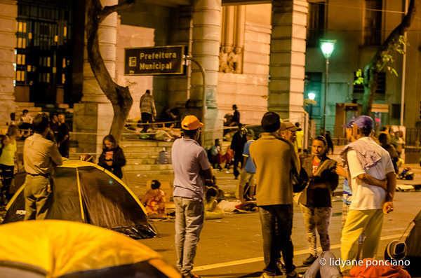 Acampamento em frente a prefeitura permanece por tempo indeterminado