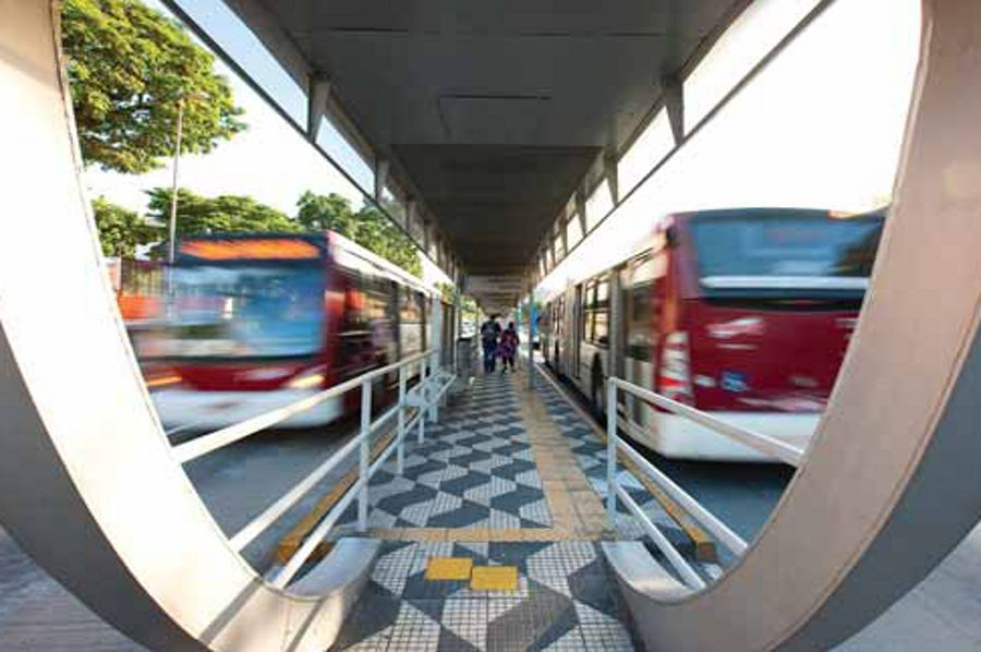 Brasil em caos: Prefeitura de SP diz que 40% da frota de ônibus não circulará nesta quinta
