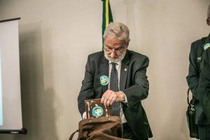 O deputado Ivan Valente (PSOL-SP) vota pela reforma política (Foto: Plebiscito Popular)
