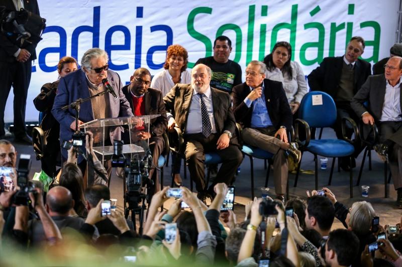 Presidente uruguaio esteve no local em que está sendo instalada a Cadeia Solidária do PET - Foto: Gustavo Gargioni/Especial Palácio Piratini