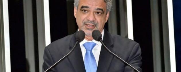 """Para Humberto Costa, barrar decreto de conselhos populares é """"enorme equívoco"""""""