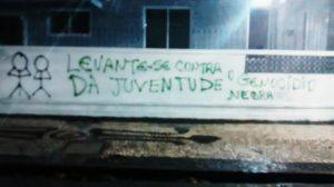 Muro pichado na Bahia, em tradicional ponto de encontro do movimento negro