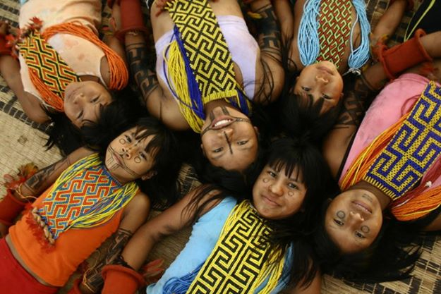 Meninas Karajá da Aldeia JK, TI Parque do Araguaia, TO