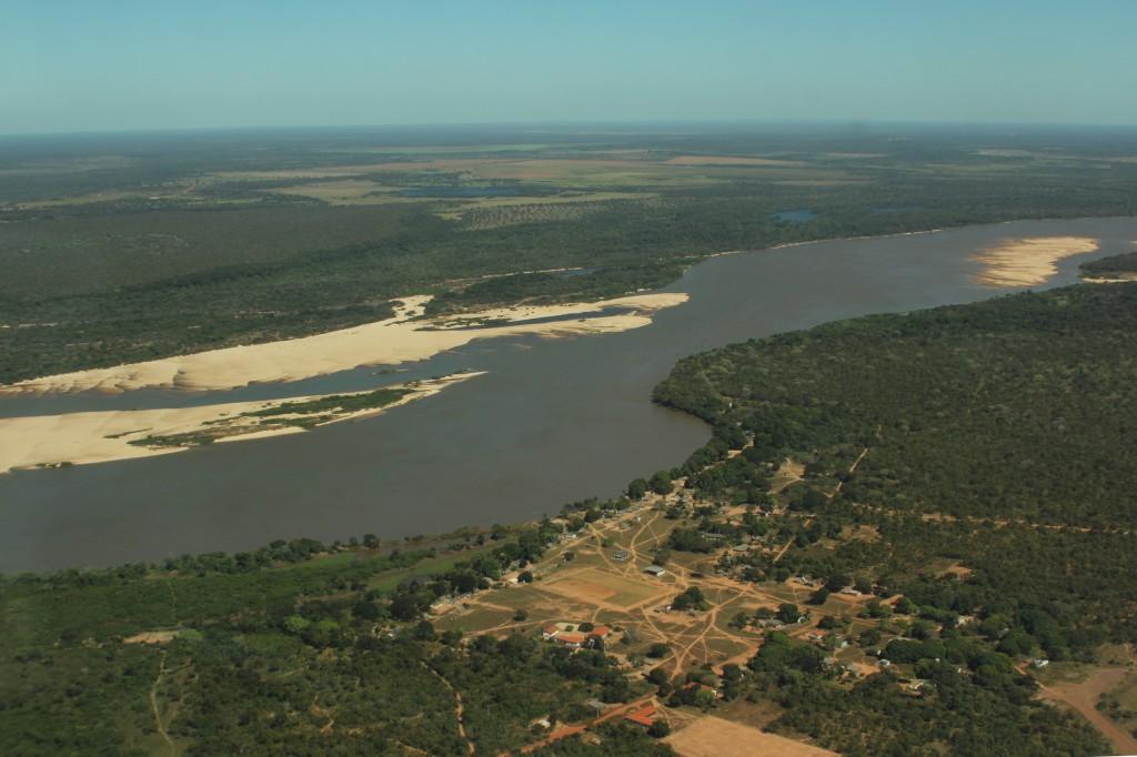Vista aérea da Aldeia Santa Isabel, TI Parque do Araguaia