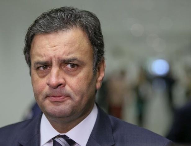 * Senado ignora decisão do STF de afastar Aécio Neves do mandato.