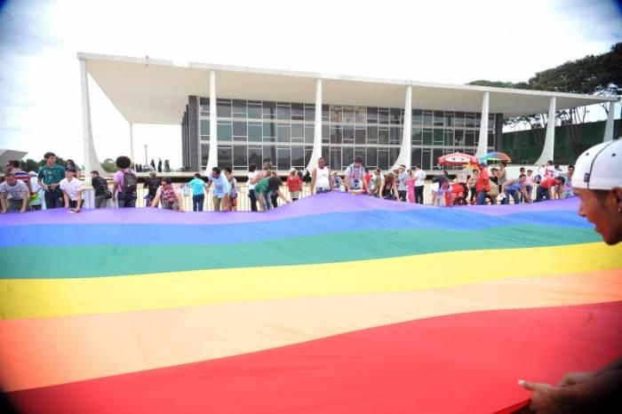 Maioria do STF vota por criminalizar homofobia e transfobia