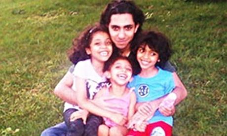 As filhas de Badawi (Terad, Nawja e Miriam) estão vivendo em exílio na cidade de Montreal, Canadá, com a mãe. A família de Raif era constantemente ameaçada na Arábia Saudita (Twitter)