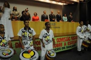 A banda mirim do Olodum, de Salvador, na Bahia, se apresentou na cerimônia de posse da Comissão Nacional da Verdade sobre a Escravidão Negra (Foto: