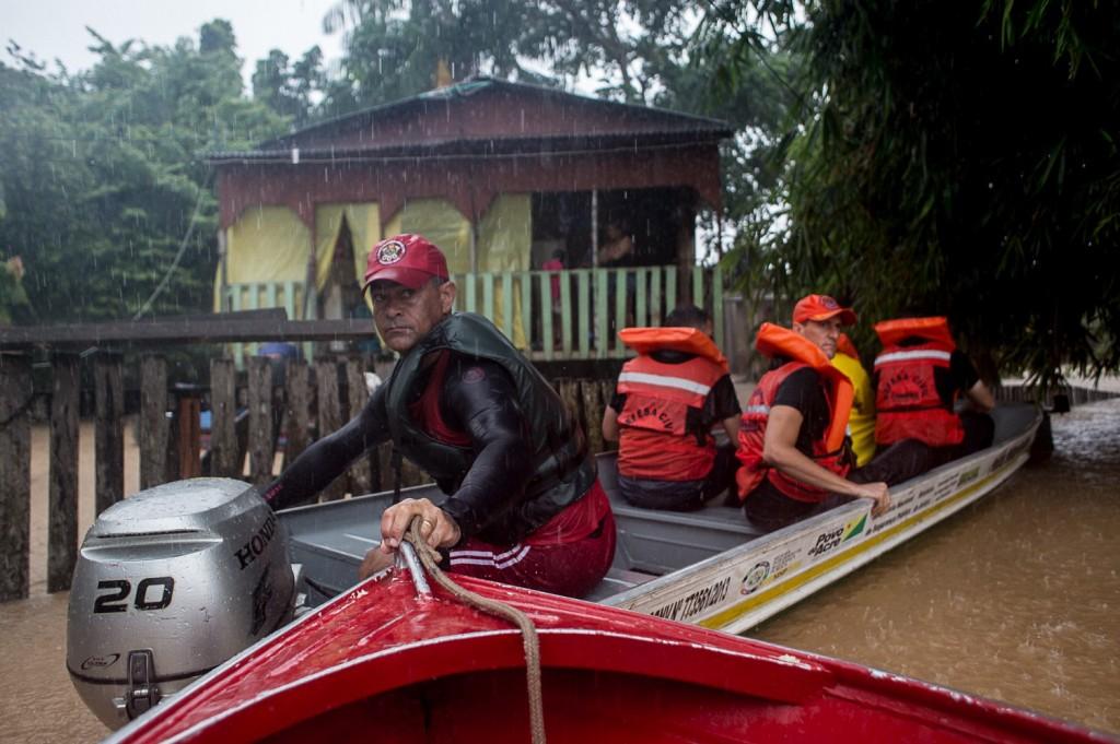 A equipe do Conta D'água acompanhou de perto a operação de resgate e suporte da alagação, realizada pela defesa civil na zona rural do estado. Foto: Mídia NINJA