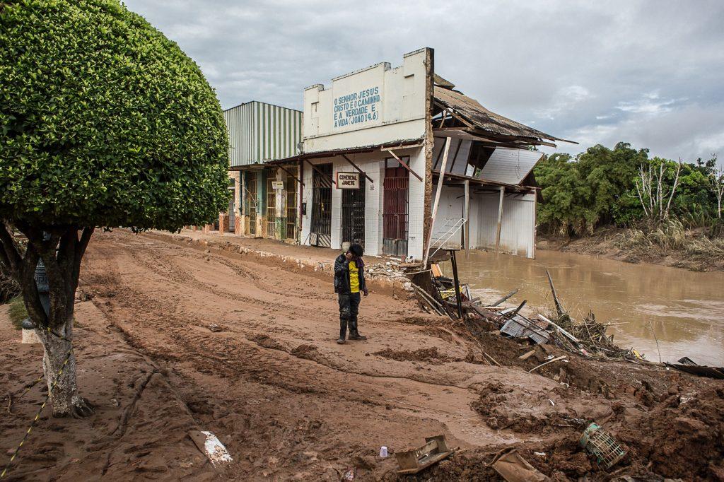 Centro comercial de Brasiléia, no interior do estado, devastado pela alagação. Foto: Mídia NINJA