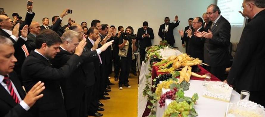 Em culto evangélico, Eduardo Cunha diz que maioria do Brasil é conservadora