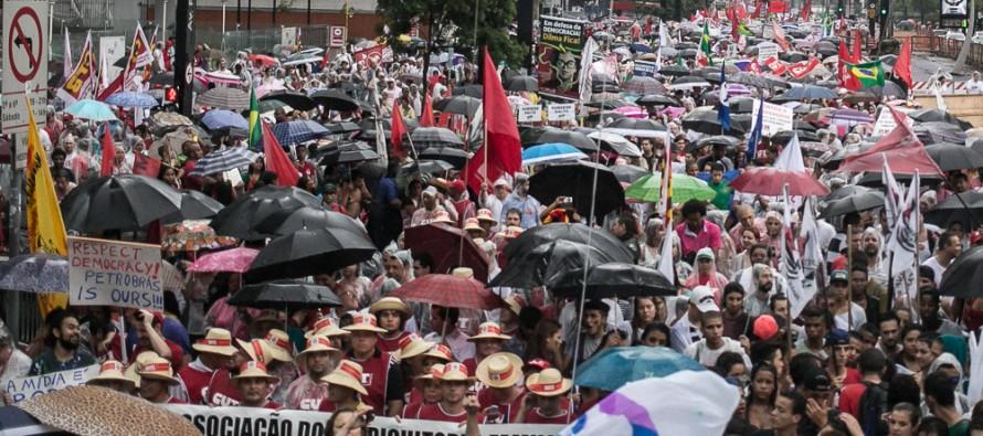 Em maior ato do ano, São Paulo dá seu recado contra o impeachment