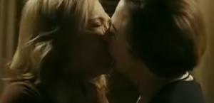 """Novela """"Babilônia"""" estreou com beijo lésbico entre Teresa e Estela (Foto: Divulgação)"""
