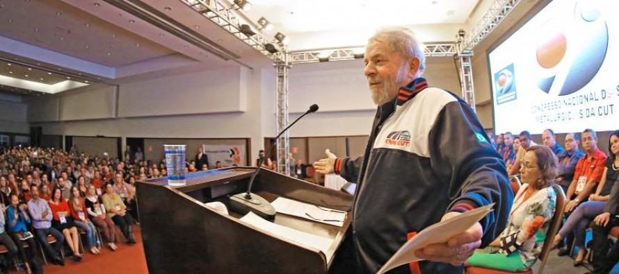 """Lula pede apoio contra a terceirização: """"É uma questão de honra para a classe trabalhadora"""""""