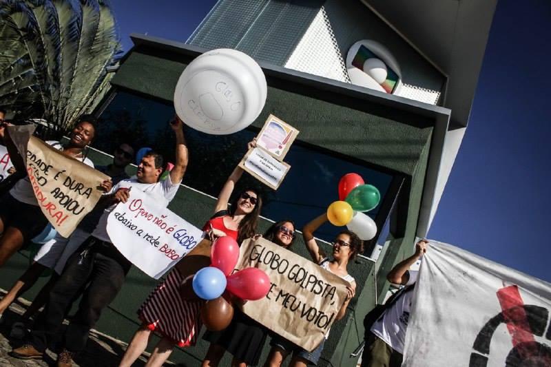 protesto-50-anos-globo-bh-1