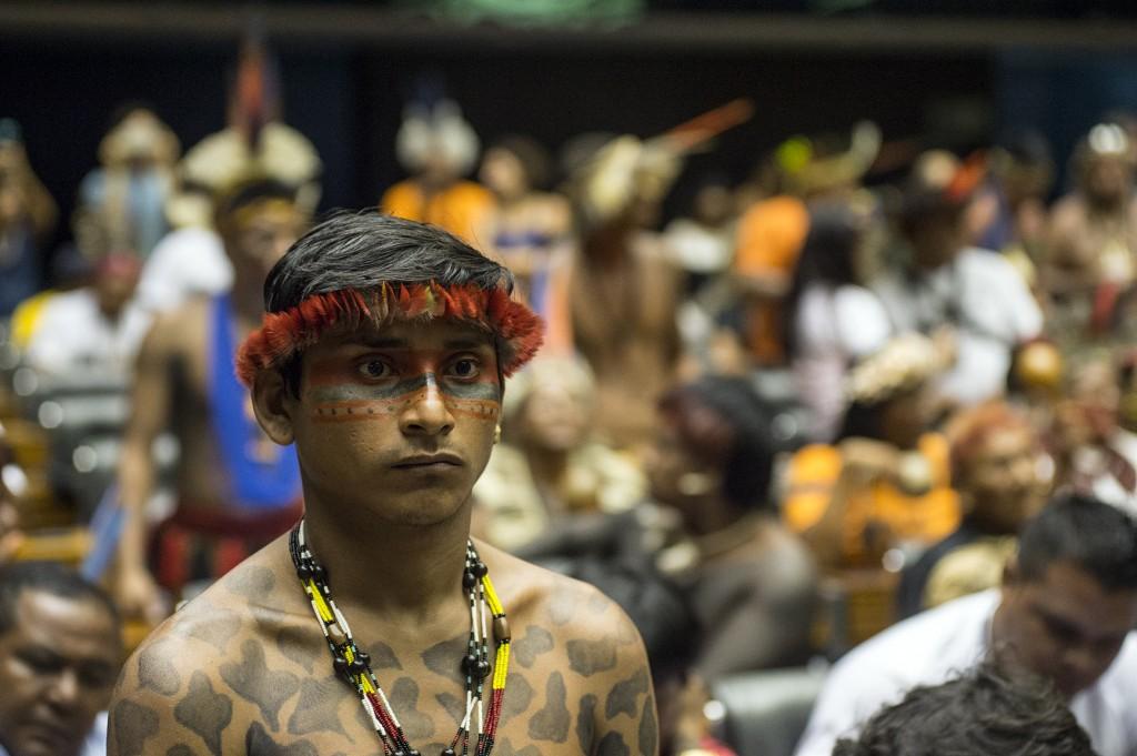 Indígenas lotam o plenário da Câmara dos Deputados no Dia Nacional do Índio. (Foto: MarioVilela/Funai)