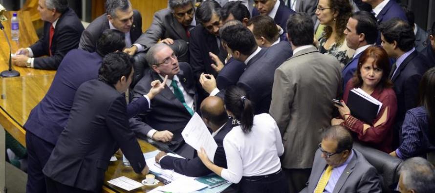 Deputados vão recorrer ao Supremo contra manobras de Cunha