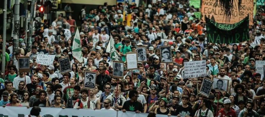 """""""A vida não espera"""": Ativistas da cannabis medicinal apoiam Marcha da Maconha de SP"""