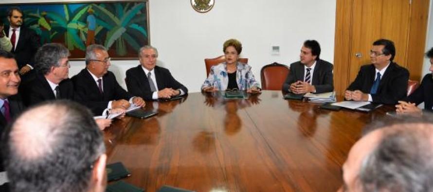 Dilma reúne governadores em busca de apoio no Congresso