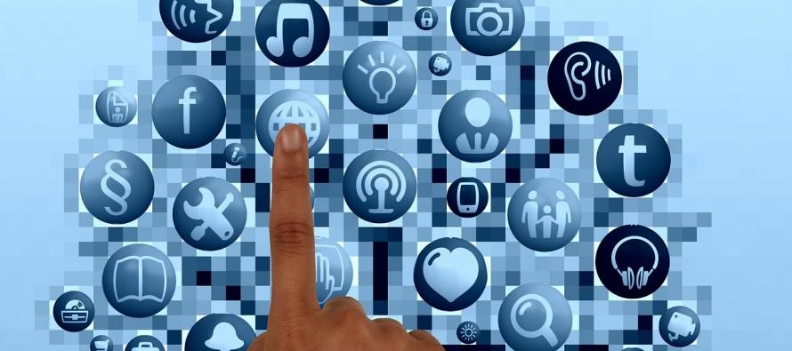 Por que as pessoas usam o celular e redes sociais de forma excessiva?