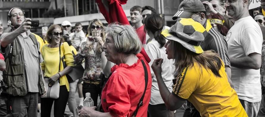 """""""Dama Vermelha"""": a história da mulher que enfrentou o ódio na Paulista"""