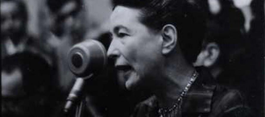 A mulher é um devir histórico: rastros de Beauvoir no Brasil