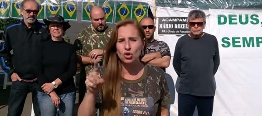 """Comandante do Exército ridiculariza grupos que pedem """"intervenção militar"""""""