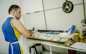 Sírios fazem comidas tradicionais e vendem por encomenda (Imagem: Danilo Ramos / RBA)