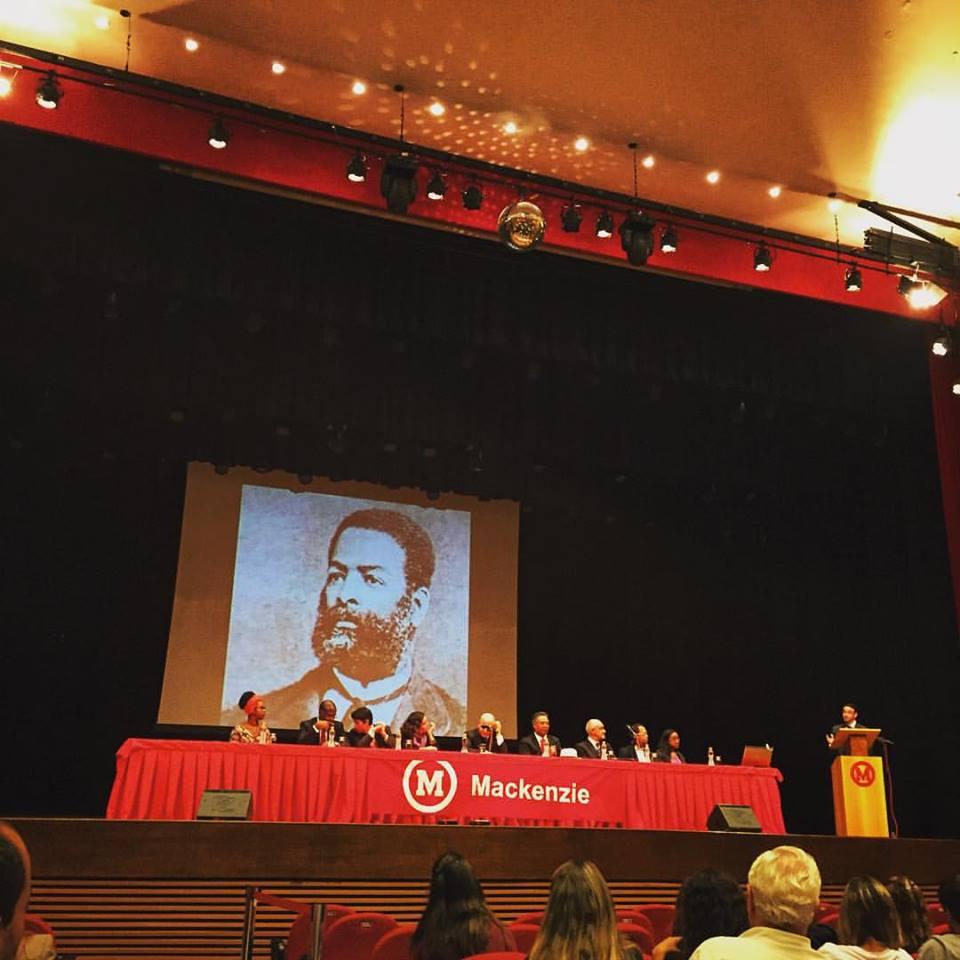 Cerimonia da OAB que concedeu à Luiz Gama o título de advogado (Foto: Reprodução/Facebook AfroMack)