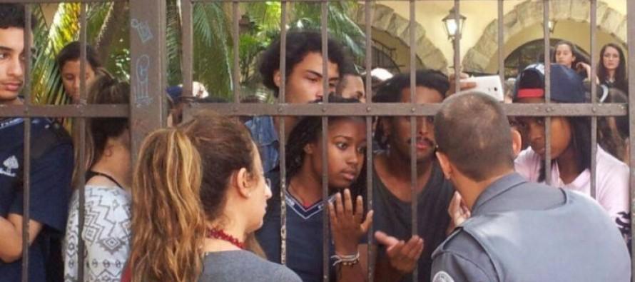 """Secretaria de Educação de SP prepara """"guerra"""" contra as escolas em luta"""