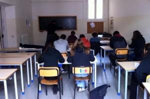 Aula colaborativa de matemática na ocupação do colégio Virgilio