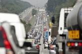 automoveis-carros-congestionamento-transito-ucxjd6161125