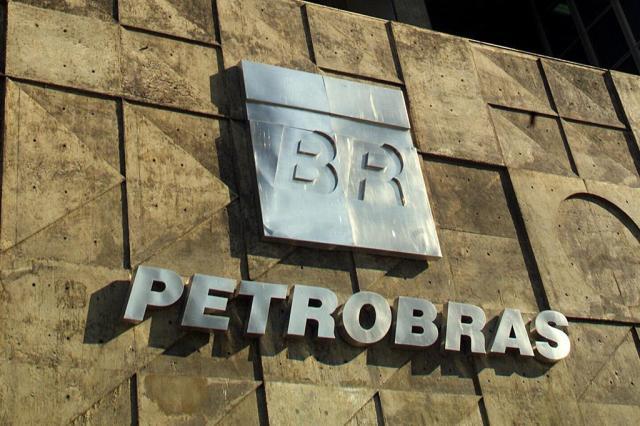 Em carta aberta, governadores negam acordo com governo federal e pedem mudança na Petrobras
