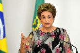 Brasília - Presidenta Dilma Rousseff durante sanção da lei que dispõe sobre os percentuais de adição de biodiesel ao óleo diesel (Fabio Rodrigues Pozzebom/Agência Brasil)