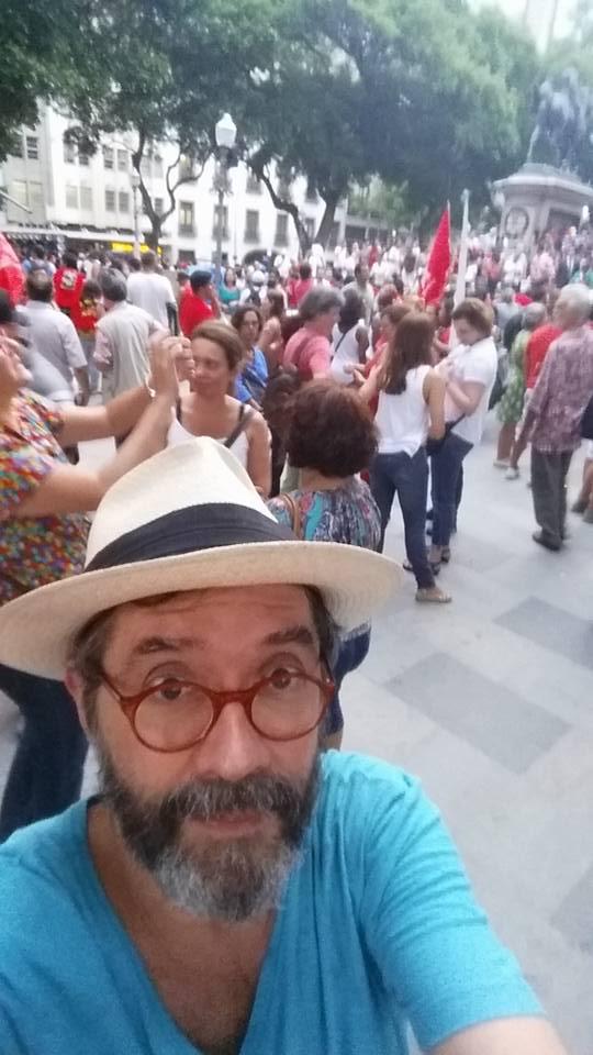O cartunista Aroeira também foi às ruas, no Rio de Janeiro (foto: reprodução)