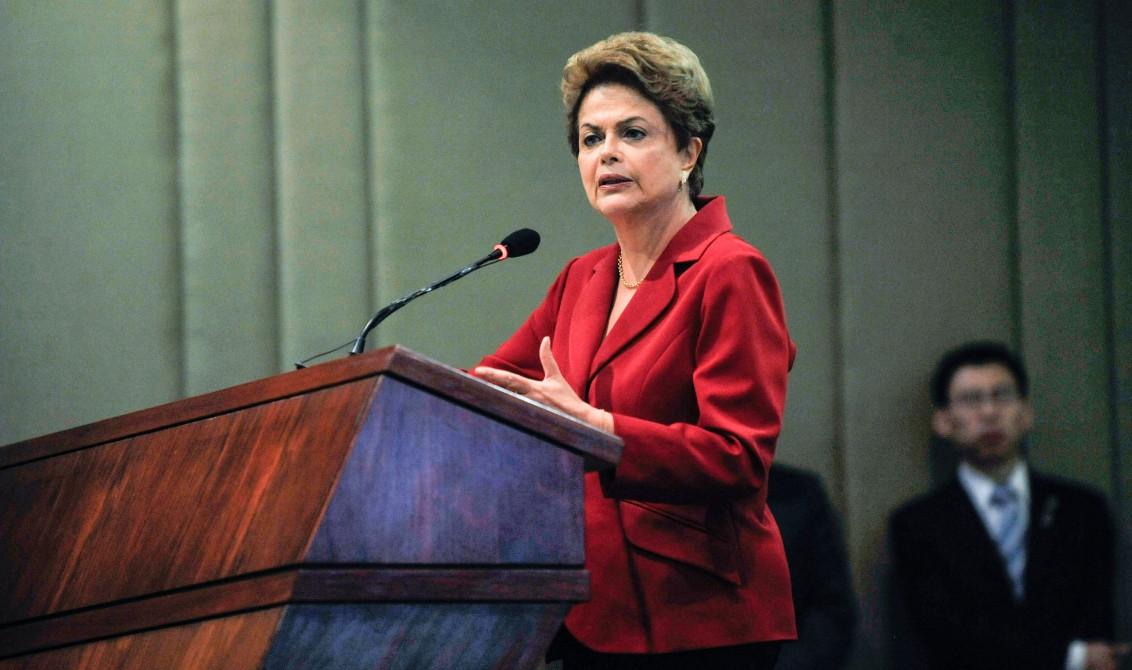 A presidenta Dilma Rousseff participa do encerramento da Cúpula Empresarial Brasil-China, no Palácio do Itamaraty (José Cruz/Agência Brasil)