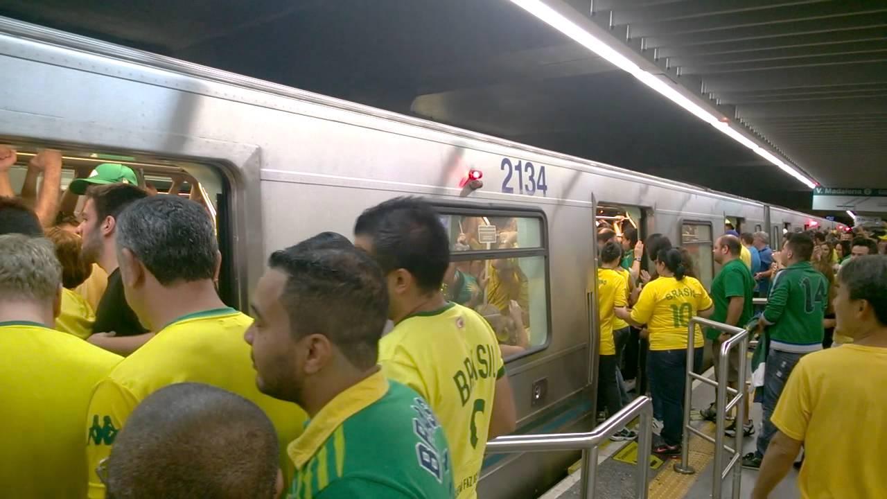 70595cddc59 Serviço garantido  Metrô de SP convoca hora extra para manifestação de  domingo